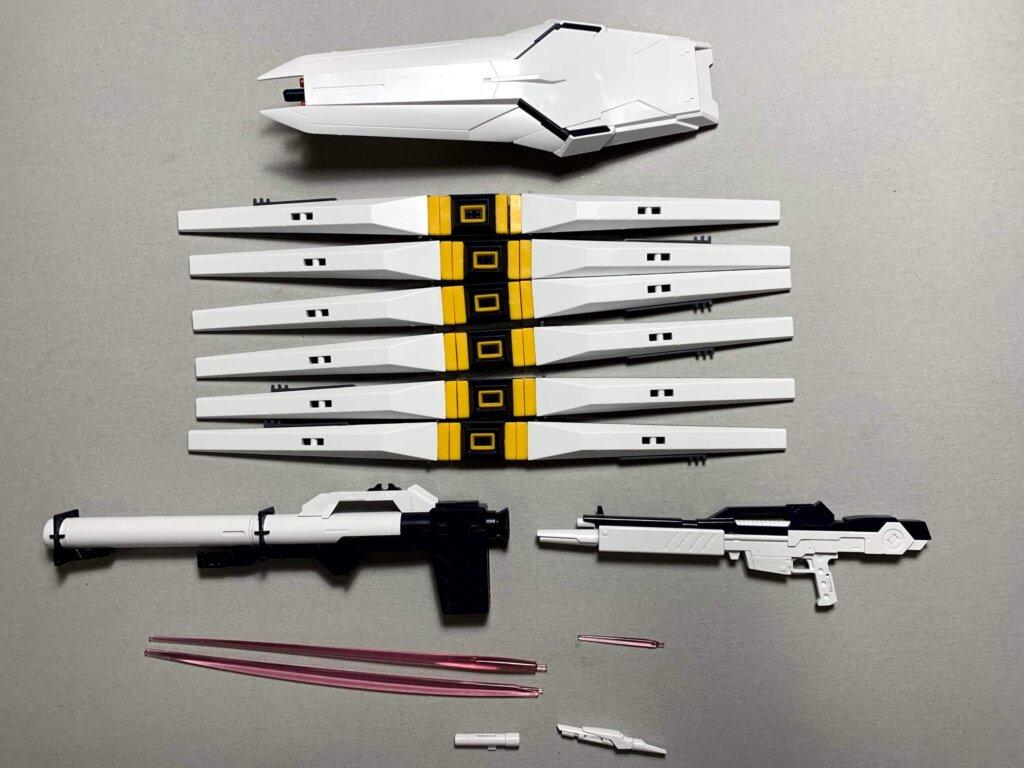 νガンダム:フィンファンネルや武器など