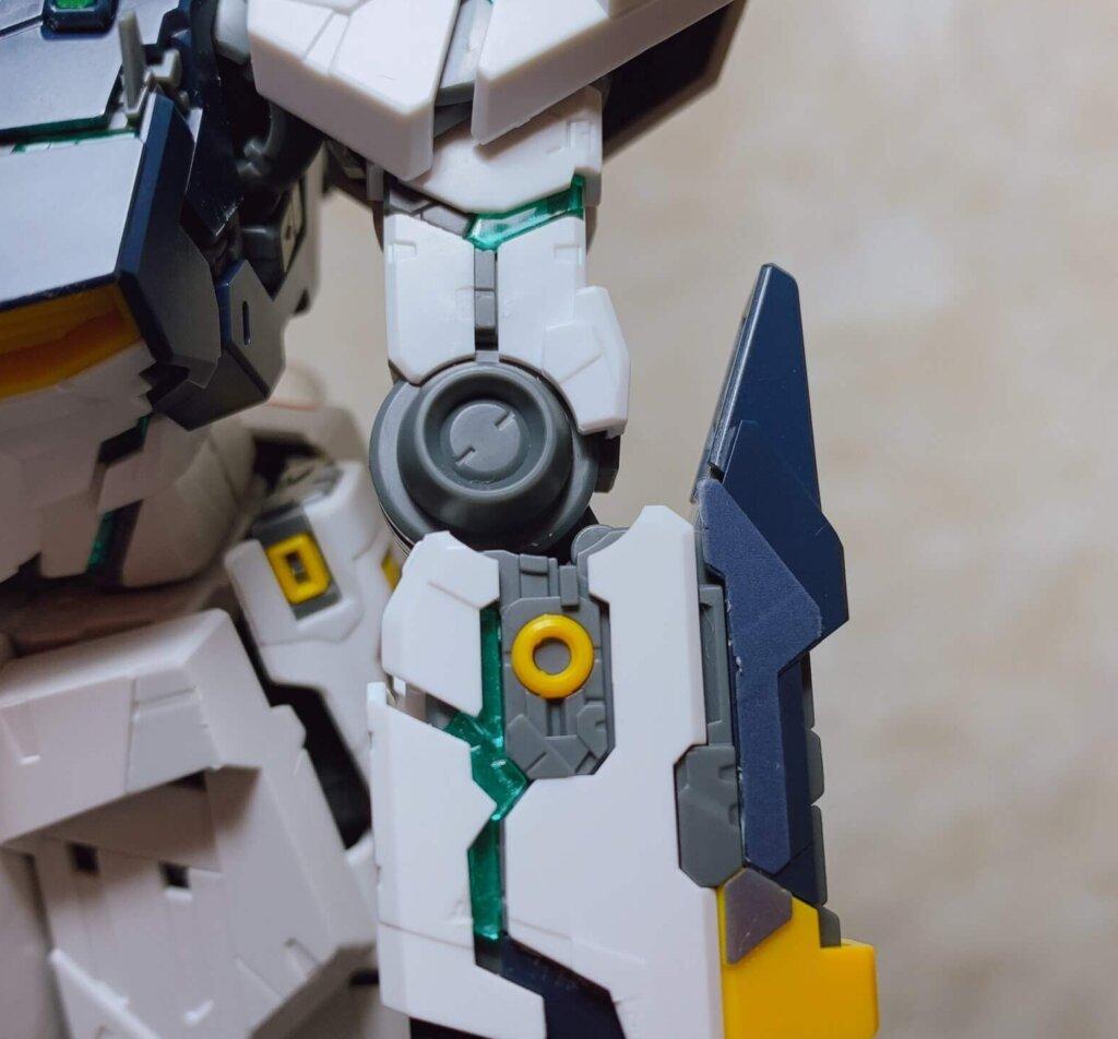 前腕部のサイコフレーム